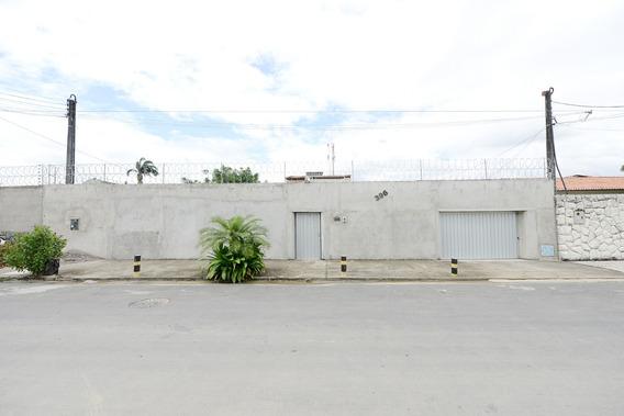 Casa Cidade Dos Funcionários, Piscina, 5 Quartos, 3 Suítes