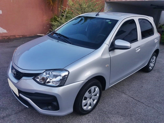 Toyota Etios Xstandard 1.3 Flex Completo Unico Dono Financia