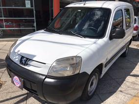Peugeot Partner 1.6 Hdi Furgon Confort Vidriado Con Asientos