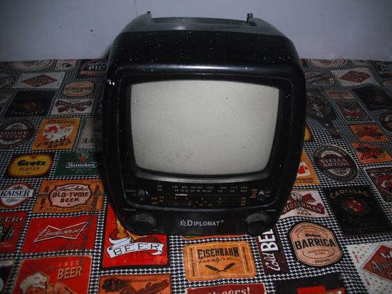 Tv 5,5 Portátil Diplomat Preto E Branco, Rádio Am-fm Antiga