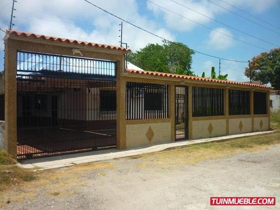 Gina Briceño Vende Casa En Tacarigua De La Laguna - 18-7164