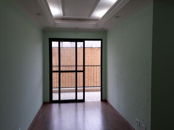 Apartamento 77 M2 Assunção 2 Quartos+1 De Empregada + 2 W.c.