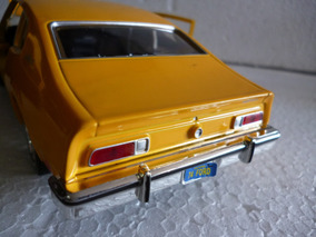 Miniatura Ford Maverick 1\24 1974