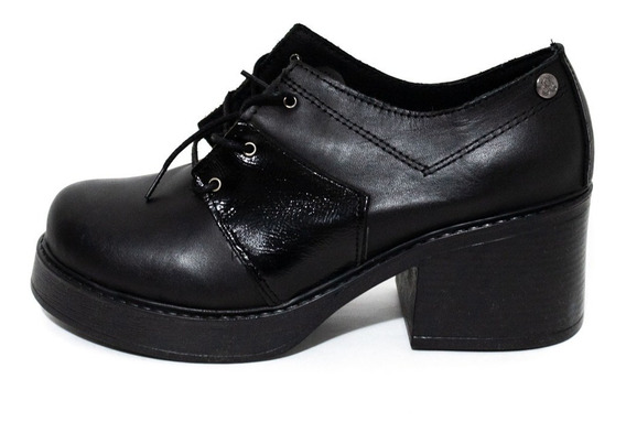 Zapato Citadina Casandra Cuero Negro Plataforma Mujer