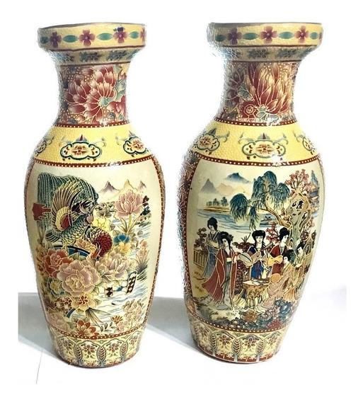 Antiguo Par De Jarrones De Porcelana China Pintado A Mano