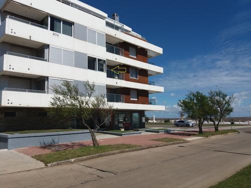 Imagen 1 de 14 de Hermoso Apartamento Frente Al Mar. Muy Confortable!!