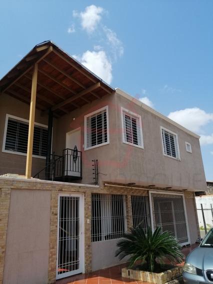 Grupo Inmowe Alquila Apartamento, Las Peonias Puerto Ordaz