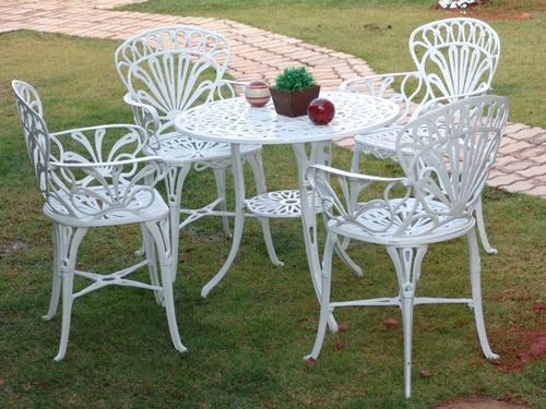 Imagem 1 de 3 de Conjunto Fundido Jardim Primavera (01 Mesa + 04 Cadeiras)
