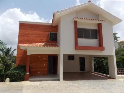 Amplia Casa Buena Vista Norte La Romana