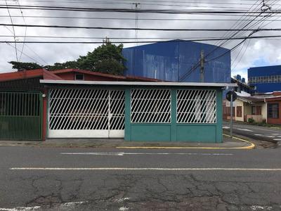 Casa En Desamparados Centro