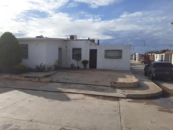 Casa En Venta Los Guayos Buenaventura