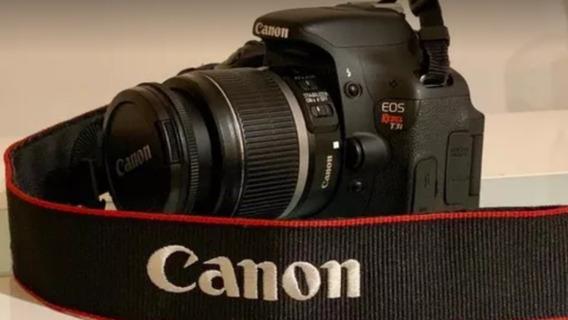 Camera Canon T3i + Lente 18-55mm + Cartão De Memória