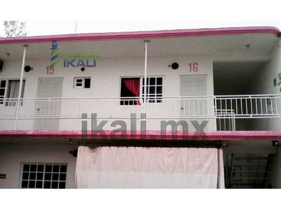 Rento Habitación Motel Ampliación Rodriguez Cano Tuxpan Veracruz, Se Encuentra Ubicado En La Av. López Mateos Esquina Con Calle El Puente De La Colonia Ampliación Rodriguez Cano En Planta Alta, Cuent
