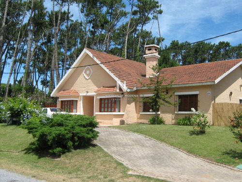 Casa En San Rafael, Muy Lindo Entorno. - Ref: 3503