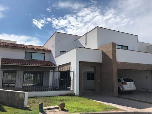 Casa Sola En Renta Las Villas