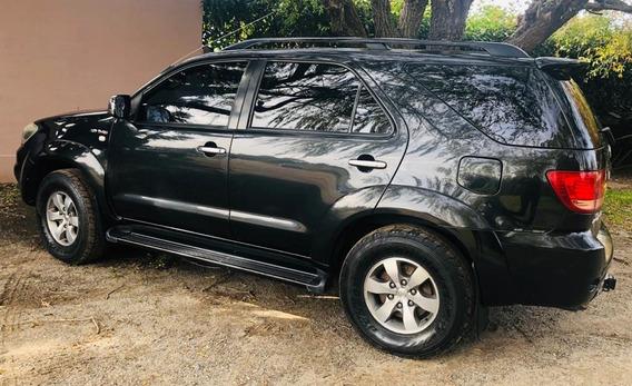Toyota Hilux Sw4 3.0 Srv At Tandil