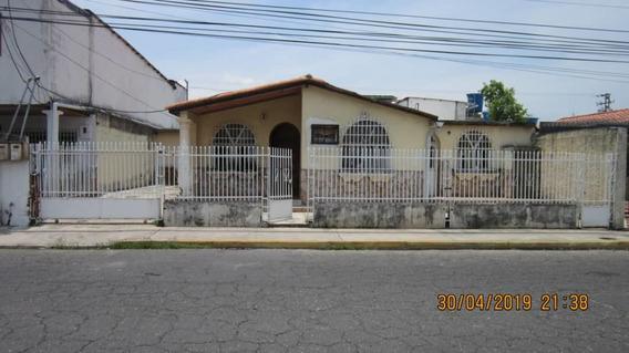 Casa En Venta En Los Samanes 1