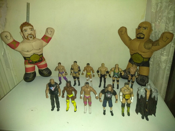 Wwe Lote Doce Figuras Y Dos Peluches Mattel.