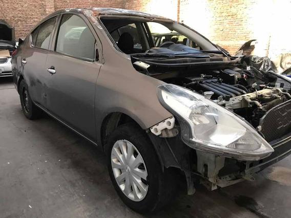 Versa Chocado Nissan 2018 En Marcha Airbag Sanos