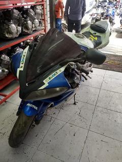 Sucata De Yamaha R1 2006 Para Retirada De Peças