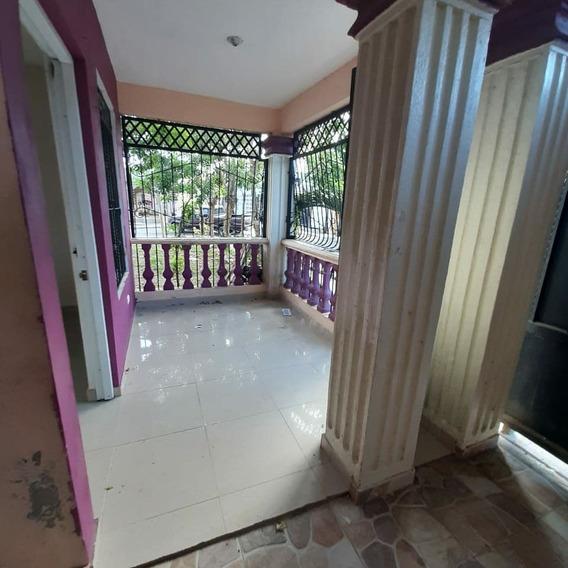 Casa De 3 Habitaciones Marquesina Primer Nivel Zona Sur