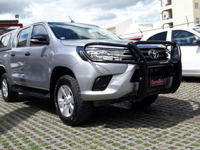 Toyota Hilux Doble Cabina Mid 2016