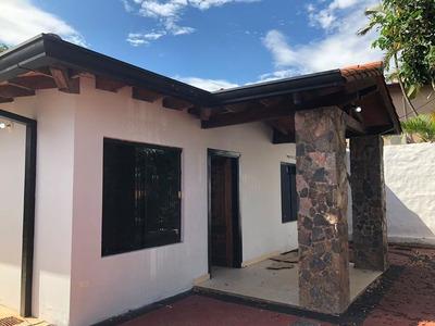 Alquilo Hermosa Casa En El Centro De Luque Cod 2778