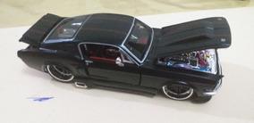 Miniatura Mustang 1.24