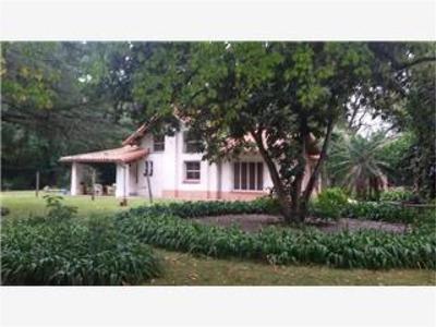Venta Casa Quinta En Tortuguitas Gran Parque.