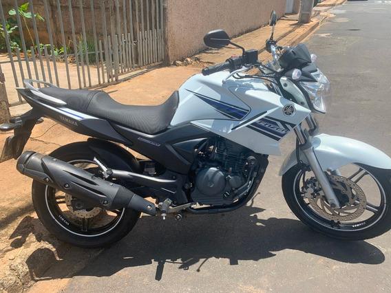 Moto Yamaha Fazer 250 Blueflex 2013/2014