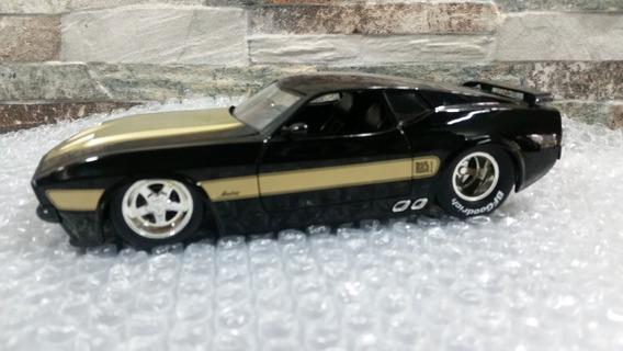 Ford Mustsng Mach1. 1973 Escala 1/24 Colección Jada 26 Vdes