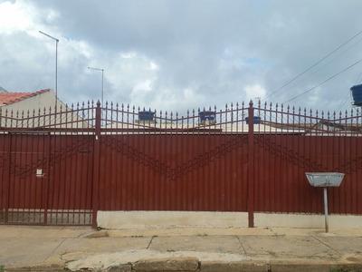 Vendo Casa De Fundos Na Vila São José
