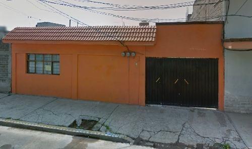 Casa En Venta En La Colonia Santa Martha Acatitla