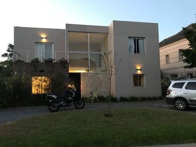 Dueño Directo!!!!! Barrio Villa Olivos Mas De 5 Amb Excelen