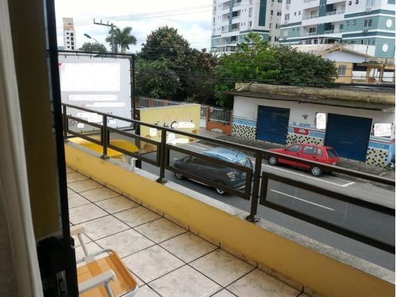 Belíssima Casa Com Terraço Em Itajaí Sc - 252-im323089
