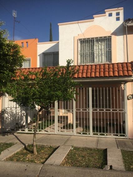 Casa En Venta En Tabachines.