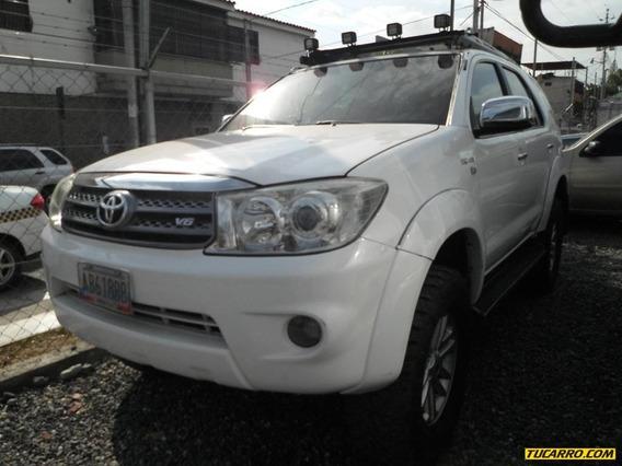 Toyota Fortuner Automático 4x4