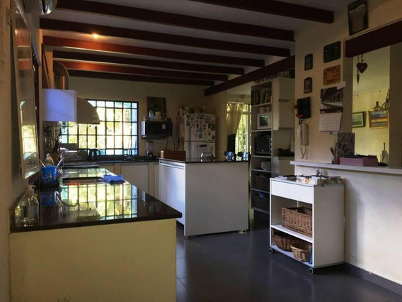Beccar: Hermosa Casa 5amb. Con Amplio Jardín Y Garage Pasante.