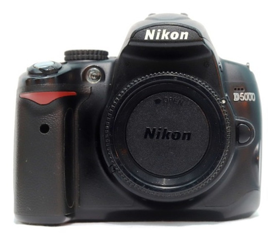 Câmera Nikon D5000 + Lente Youngnuo 50mm F/1.8