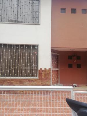 Casa De 3 Baños Y 3 Habitaciones Con Proyecto De Huardilla