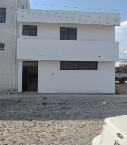 Imagen 1 de 10 de Oficina En Renta Planta Alta, Av De La Luz