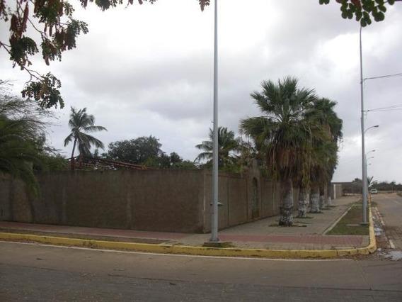 Casa En Venta Intercomuanl Coro La Vela Cod-19-3911