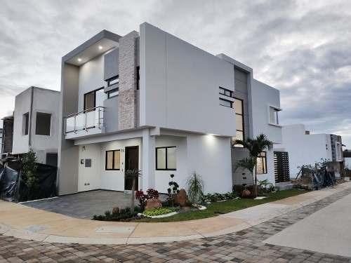Casa 114 Frente A Parque En Esquina Vitana Residencial (albe