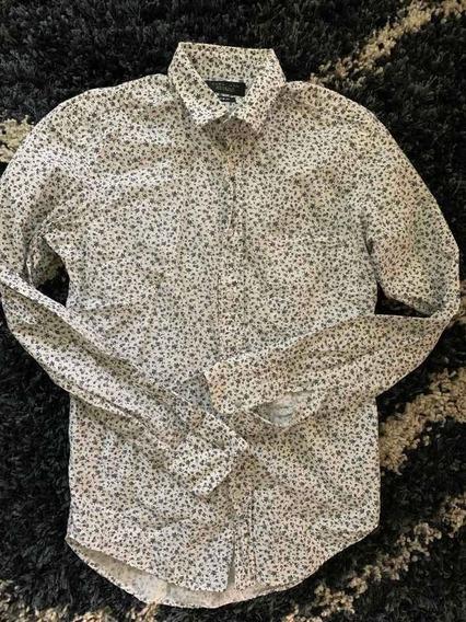 Camisa De Estampados De Flores De La Marca Zara