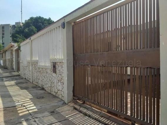 Casas En Alquiler Sabaneta 20-9150 Andrea Rubio