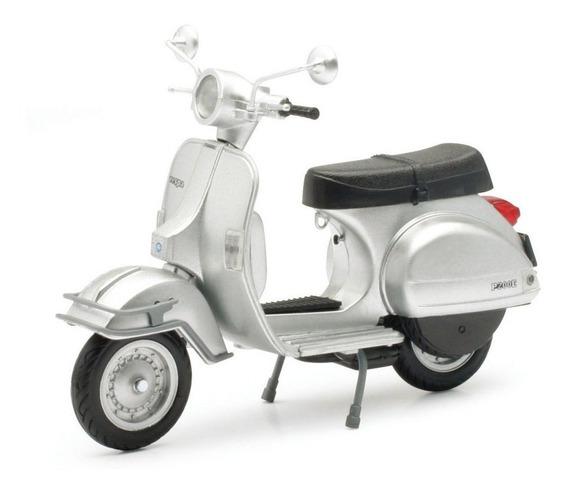 Moto Vespa P200e Motoneta Escala 1:12 New Ray Plata
