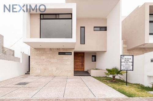 Venta De Casa En Colinas Juriquilla, Querétaro