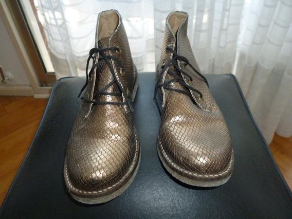 Zapatos Dorados Con Cordones