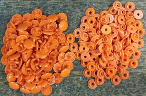 100 Broches A Presion Plastico * 13 Mm * Naranja * Condal *