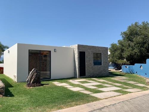 Casa En Venta En Chapala Con Excelente Vista Al Lago,